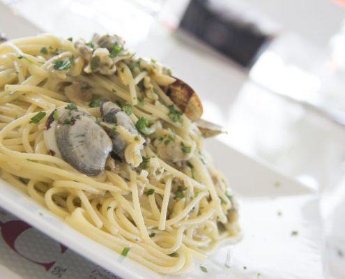 Piatto del giorno 141 Cafè Reggio Emilia Spaghetti alle vongole